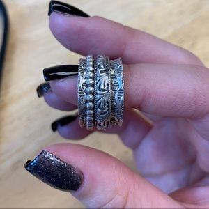 Jewelry - Ring size 9